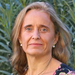 Dña. Carmen Barroso Castro